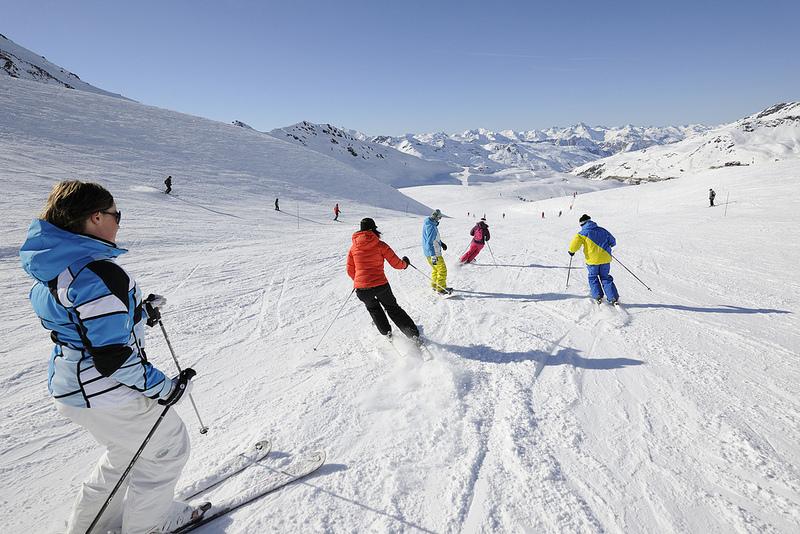 Avant de choisir sa paire de ski, le mieux est de pouvoir la tester en conditions sur les pistes... - © Val Thorens Officiel