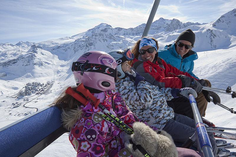 Partir au ski hors vacances pour en profiter pleinement à moindre prix - © OT Tignes - Tristan Shu