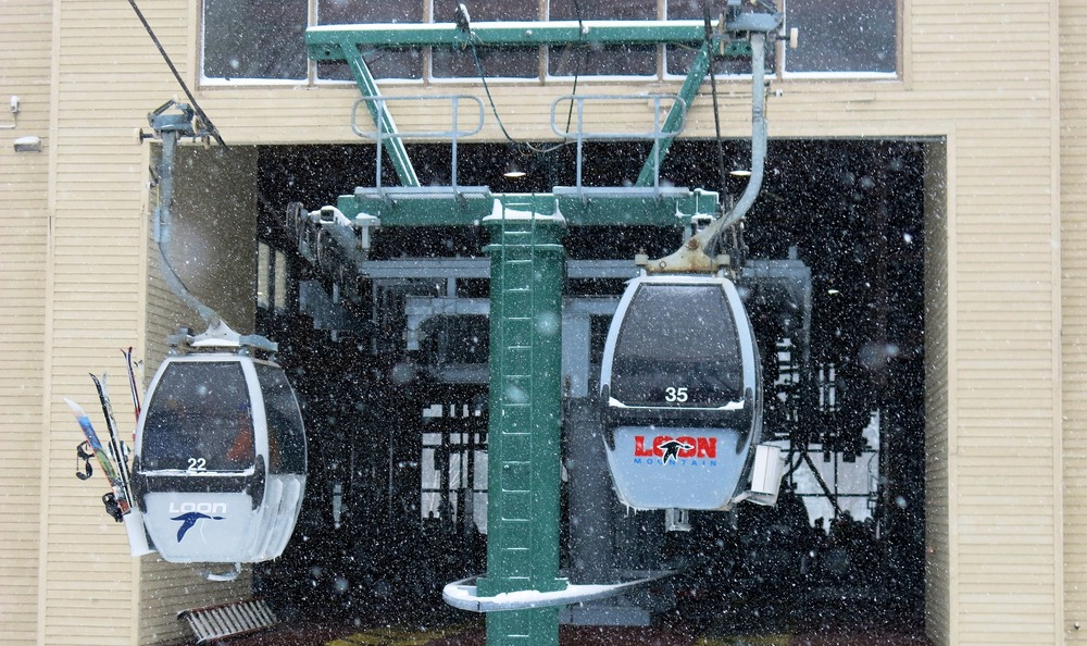 The four person Gondola at Loon Mountain. - © Donny O'Neill