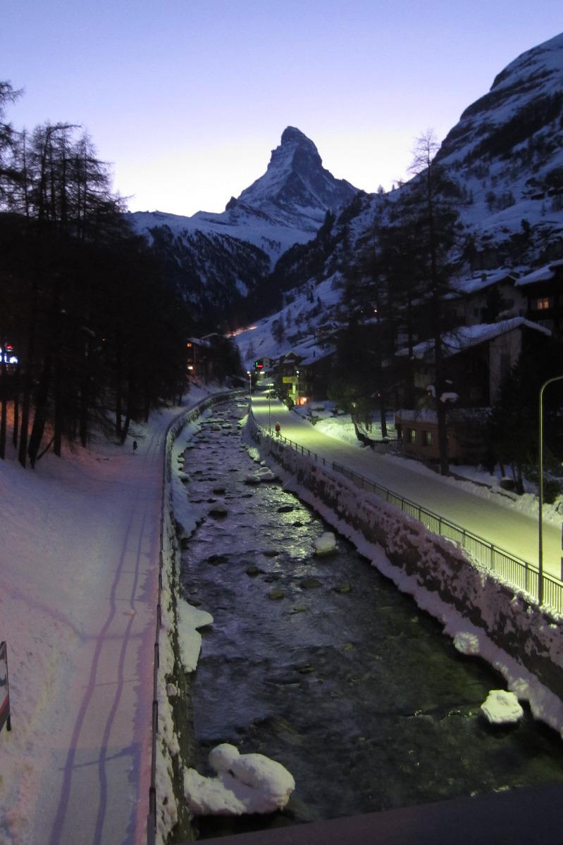 Zermatt en de Matterhorn 's avonds - © Sebastian Lindemeyer / Skiinfo.de