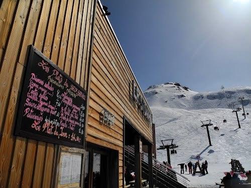Le Signal bij het bergstation van de Le Fornet skilift: een fijn adresje voor tussen de middag
