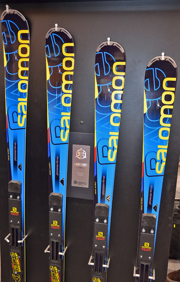 The new Salomon Powerline X-Racer - the only difference between a slalom carver and a giant slalom ski is the length - © Skiinfo