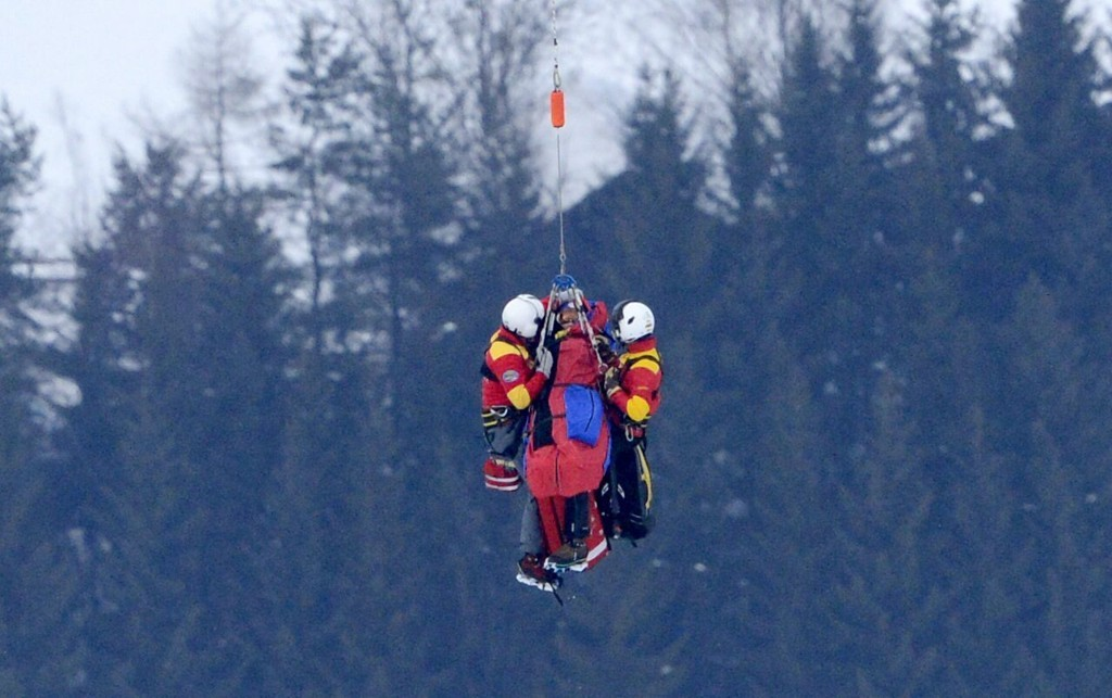 Lindsey Vonn was airlifted off the mountain after a serious crash at the World Alpine Championships in Austria. - © Hand Klaus Techt / APA