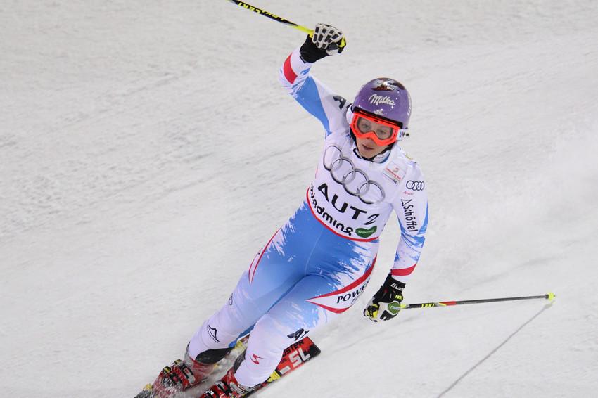 Jubel bei der stark aufgelegten Michi Kirchgasser - sie fuhr den Punkt zum Gold ein - © Alain Grosclaude/AGENCE ZOOM