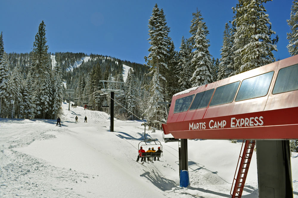 This near-exclusive lift is located in the gated development of Martis Camp. Home owners never have to wait in line and the access means no problem with parking and walking through the resort. - © Martis Camp