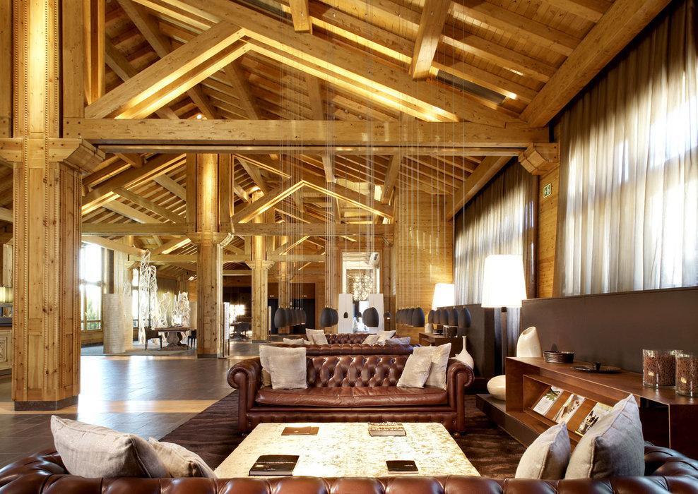 Five-star Hotel Hermitage lobby in Soldeu, Andorra - © Sport Hotels Resort And Spa