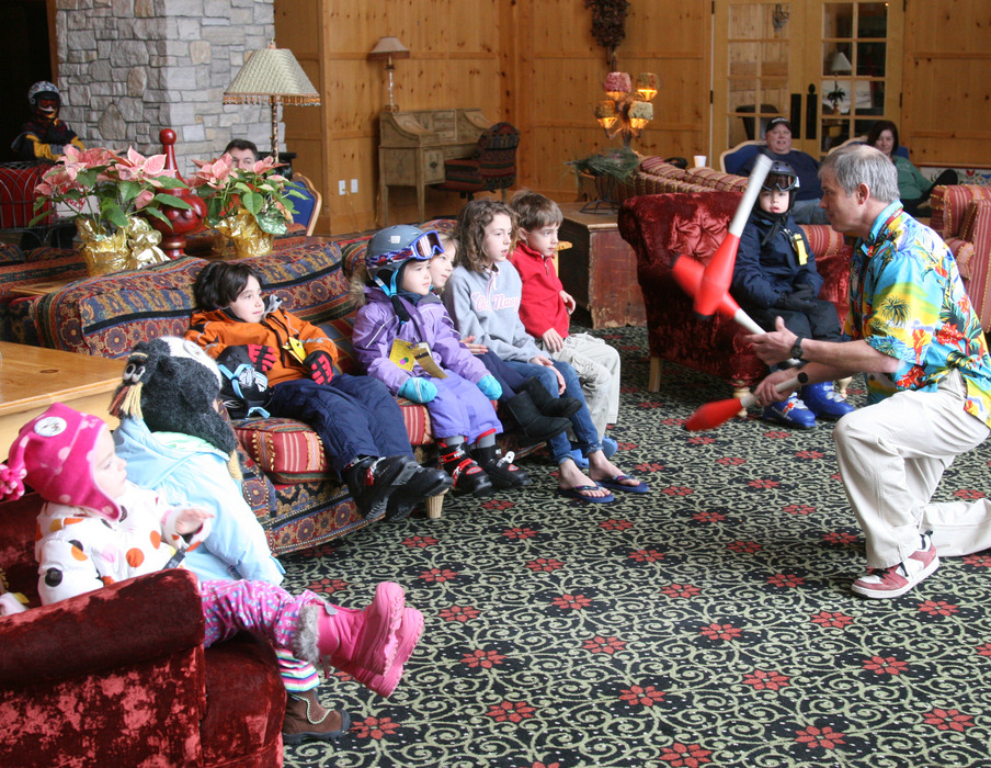 Tommy Tropic entertains with his juggling act at Boyne Mountain Resort of Boyne Falls, Michigan. - © Courtesy of Boyne Mountain Resort