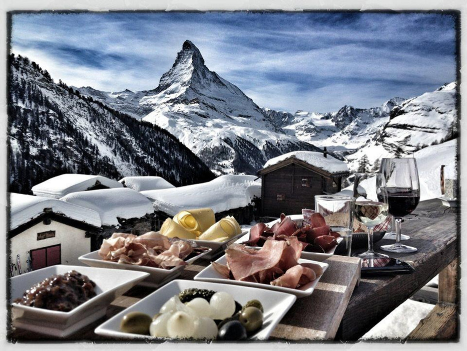 Regional dishes and a stunning view - © Chez Vrony