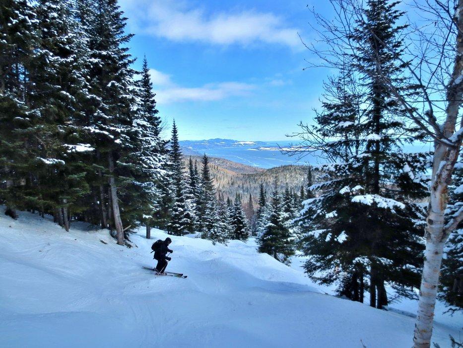Bump skiing at Le Massif. - © Le Massif