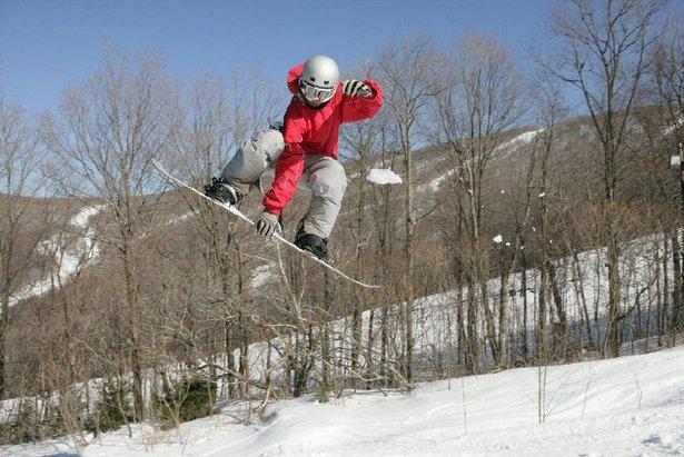 Jiminy Peak snowboarder