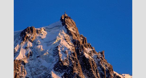 De mooiste skiliften: de Aiguille du Midi skilift in het Franse Chamonix.  - © Chamonix Tourist Office / Jean-Charles Poirot