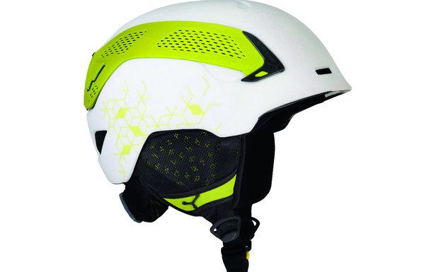"""Le casque Cébé Trilogy (modèle blanc/vert) en mode """"ski"""""""