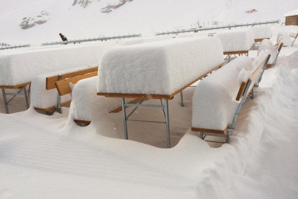 Jede Menge Neuschnee gab es am 27.4. am Stubaier Gletscher