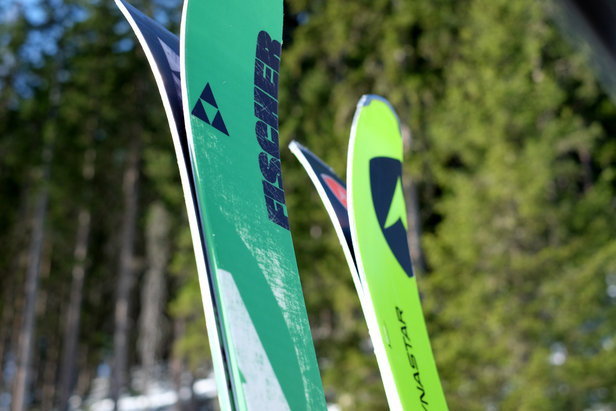 Testovali sme All Mountain lyže 2014/2015: Fischer Ranger 88 vs. Dynastar Powertrack 89 ©Skiinfo