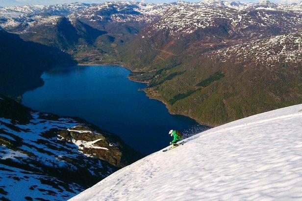 Sommerskiturer i Røldalsfjellene- ©Pelle Gangeskar