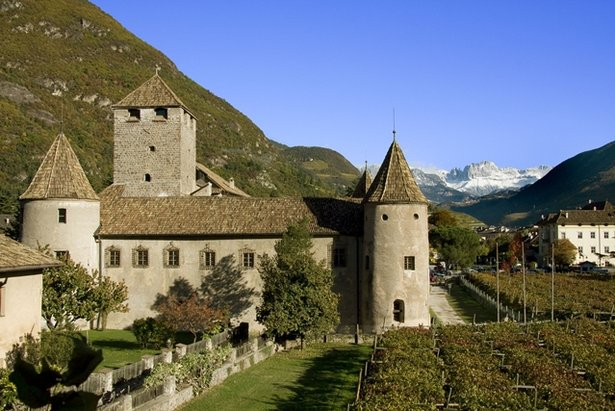 Mareccio - Castelronda, Bolzano - 6 hradov, 6 programov, 6 príbehov