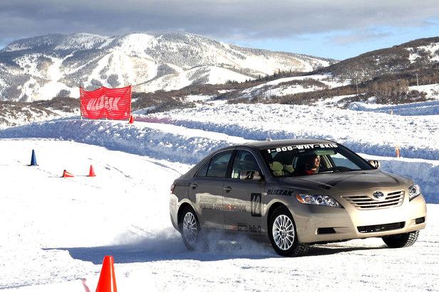 Scuola di guida su neve