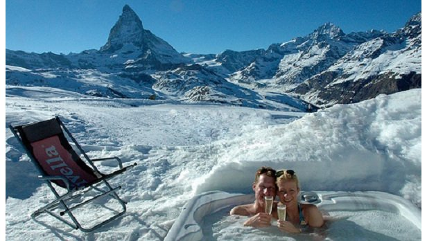 Hot tub at Zermatt's Iglu Village, Switzerland  - © Iglu-dorf