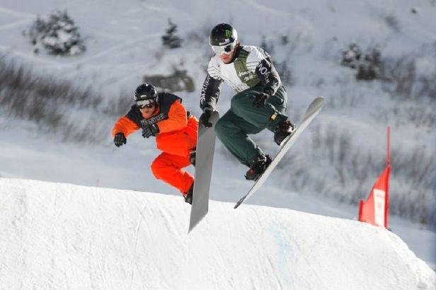 Snowbird snowboarding race