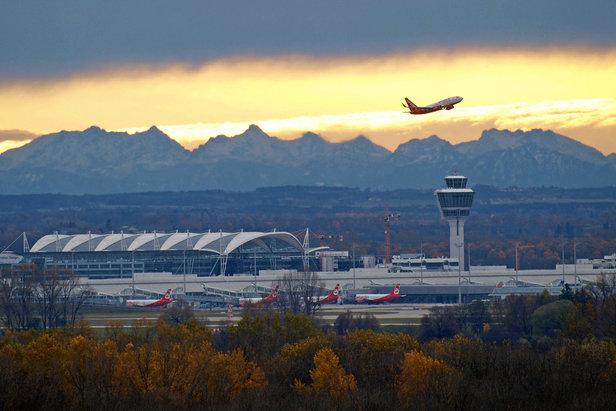 Do wielu znanych alpejskich miejscówek z lotniska w Monachium można dojechać w niecałe 2 godziny.
