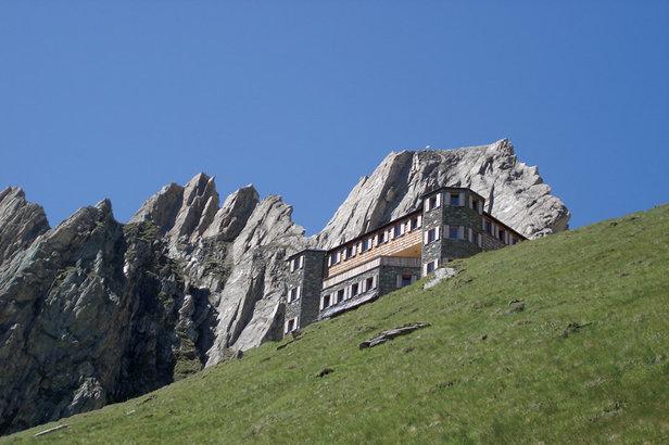 Blick auf die Sajathütte, dem Schloss über Prägraten  - © Tirol Werbung/Peter Freiberger