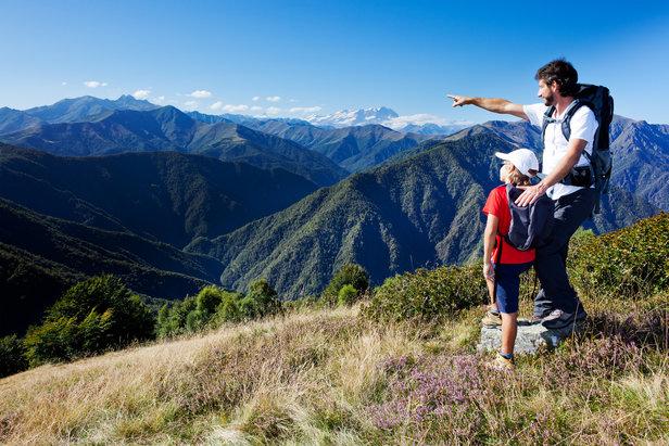 Arpenter les sentiers de randonnées, prendre le temps de découvrir l'artisanat local, faciliter les rencontres... Laissez-vous tenter par un séjour en itinérance en Arièges Pyrénées !