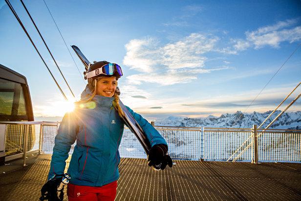 Základními funkcemi lyžařského oděvu je ochrana proti zimě, sněhu a větru.