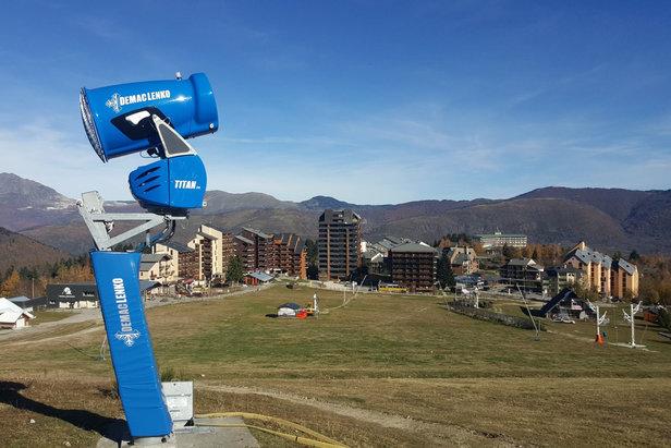 A Ax 3 Domaines comme partout ailleurs, les installations de neige de culture sont prêtes à entrer en action. Ne manque plus qu'une chose : le froid !
