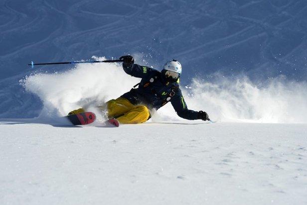 Inviate i vostri video sugli sci ed entrate a far parte del film di Helly Hansen