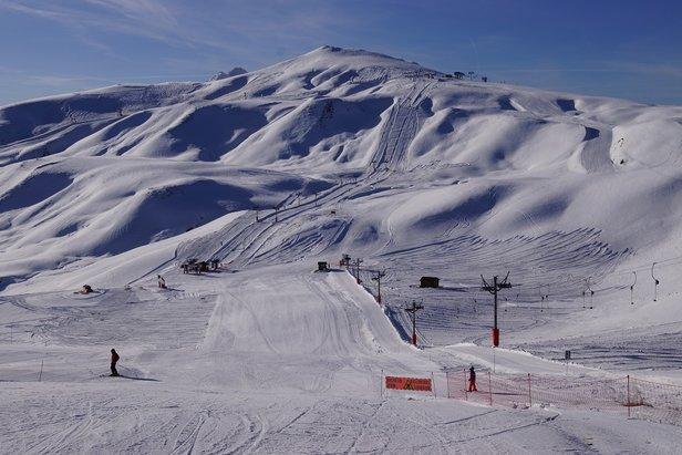 Une belle journée ensoleillée pour commencer la saison sur le domaine skiable des Sybelles