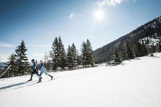 Výšková bežecká trať v lyžiarskom stredisku Schlick 2000 priťahuje množstvo milovníkov bežeckého lyžovania.  - © TVB Stubai Tirol-Andre Schönherr