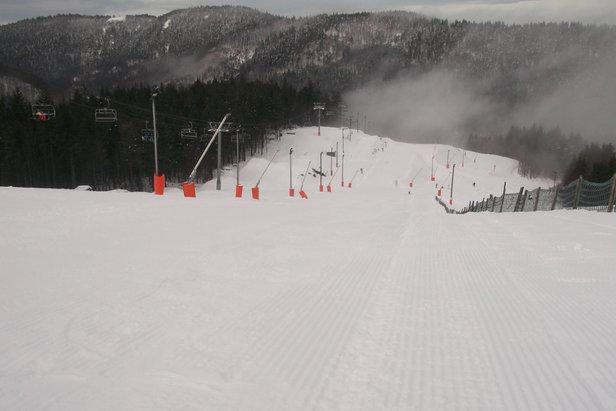 Après les chutes de neige de ces dernières heures, la saison de ski peut enfin débutée dans les Vosges comme ici à La Bresse Hohneck