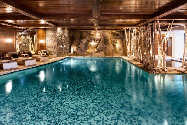 Cheval Blanc's luxury pool in Courchevel