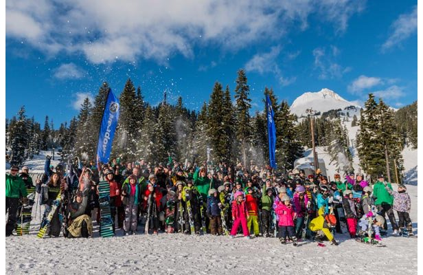 Perfect weather and a strong turn out for World's Largest Lesson at Mount Hood Meadows.