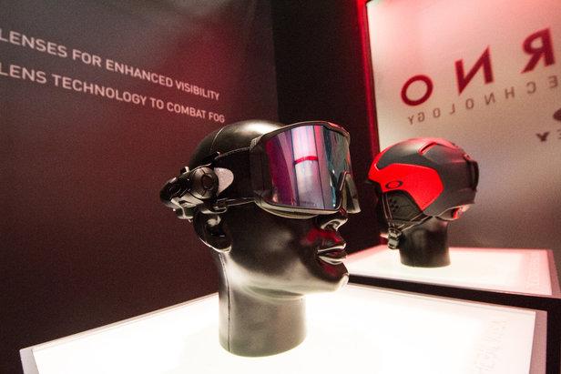 Oakley Inferno ist ein System, dass die Brille von innen erwärmt und somit eine mögliche Beschlagung umgehend entfernt