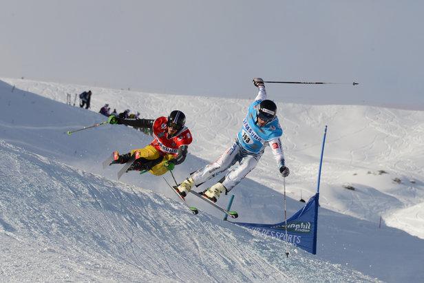 Du 3 au 6 février, la piste de la piste de Charpenet (à Orcières Merlette 1850) se transforme piste de ski cross...