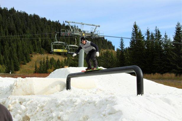 Sjusjøen skisenter gleder seg til to uker med pre-season park for ski- og snowboardentusiaster. Her fra i fjor.  - © Sjusjøen skisenter