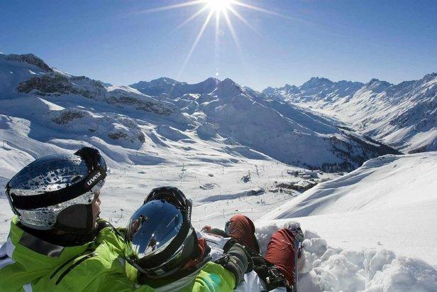 Det laver ned med snø i Alpene, USA og Vest-Canada