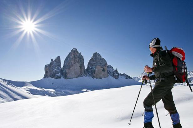 Winterwanderlust mit Schneeschuhen: Bergauf, bergab durch das verschneite Hochpustertal