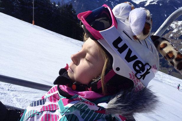 Je dobré vědět: Kde je lyžařská přilba na sjezdovkách povinná? ©TVB Mayrhofen/Eva Wilhelmer/Gabi Huber