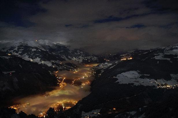 Nocny widok na dolinę Zillertal  - © TVB Mayrhofen