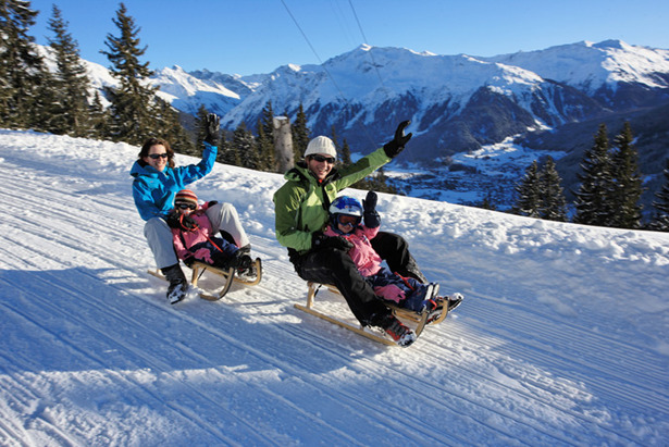 So much fun: Tobogganing in Graubünden