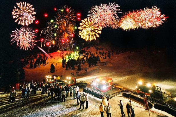 Bergsilvester mit Feuerwerk in Hochötz  - © Bergbahnen Oetz