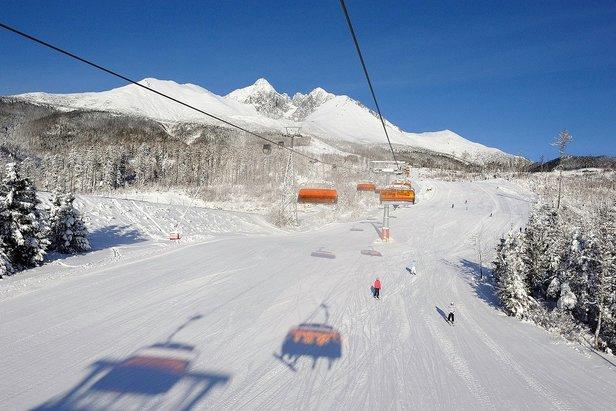 Snehové správy: Lyžuje sa v mnohých lyžiarskych strediskách, podmienky sú dobré!