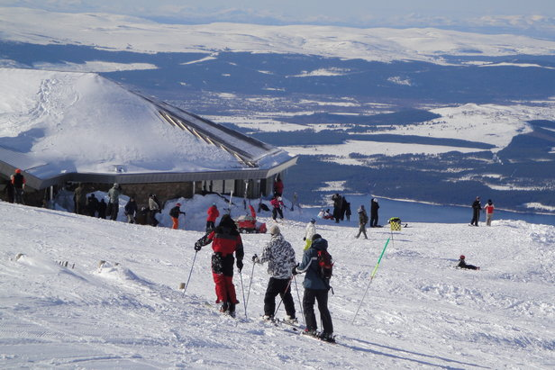 Consider Scotland for a last-minute road trip to the ski slopes (Cairngorm Mountain)