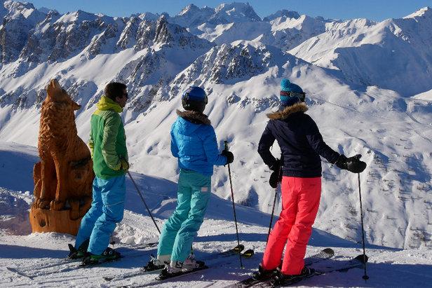 Avec ses 89 pistes réparties sur 5 versants, Valloire offre l'un des plus beaux domaines skiables de Savoie...