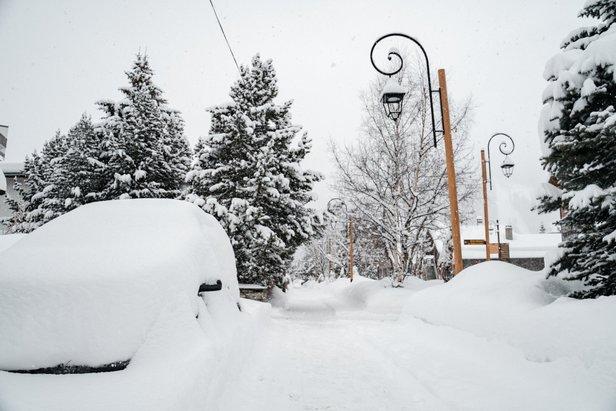 Huge piles of snow in Val d'Isere