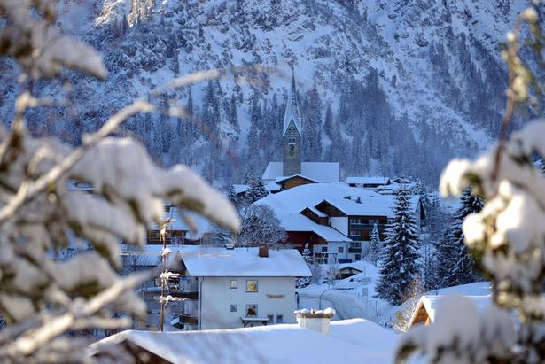 Das romantische Mittelberg, auf 1215 Meter - ©Kleinwalsertal Tourismus