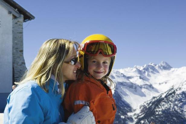 Skigebiet Hochoetz: Genussvolle Skitage im Ötztal- ©Bergbahnen Oetz_Albin Niederstrasser