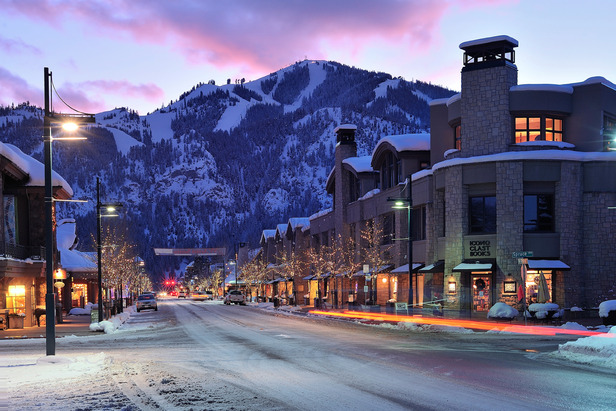 5 Sun Valley Hot Spots: Where to Eat & Party